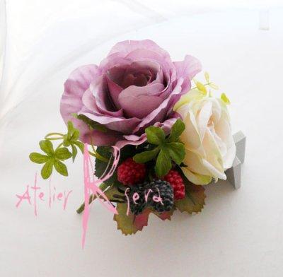 画像4: 造花パープルローズ&ホワイトガーベラ ショートキャスケードブーケ・ブトニア・ヘッドパーツセット