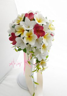 他の写真2: 造花オーダーメイドブーケ  キャスケード・ブトニア(プルメリア3カラーPCW)