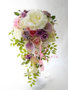 他の写真2: 造花オーダーメイドブーケ キャスケードセット (カサブランカ・ローズ)