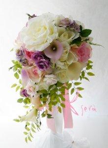 他の写真1: 造花オーダーメイドブーケ キャスケードセット (カサブランカ・ローズ)