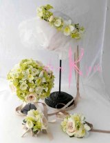 造花オーダーメイドブーケ  ラウンド22・ブトニア・花冠・リストレット(ローズ&ラン&Gハイドランジア)