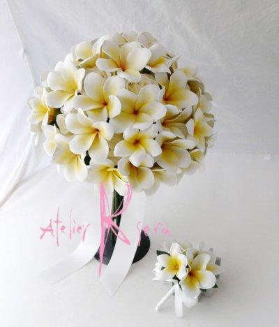 画像2: 造花オーダーメイドブーケ ボリュームクラッチ・ブトニア(cwプルメリア&ローズ)/アームレット