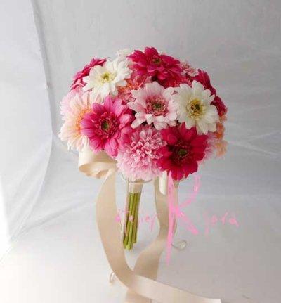 画像2: 造花オーダーメイドブーケ  クラッチ・ブトニア・ヘッドパーツ・花冠・リストレット(ピンクガーベラ)