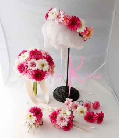 画像1: 造花オーダーメイドブーケ  クラッチ・ブトニア・ヘッドパーツ・花冠・リストレット(ピンクガーベラ)