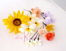 他の写真2: 造花オーダーメイドブーケ Sキャケード・ブトニア・ボリューム花冠・リストレット(ヒマワリ&プルメリア)