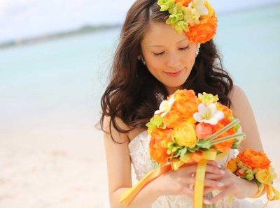 画像1: 造花オーダーメイドブーケ クラッチ22・ブトニアヘッドパーツ・リストレット・花冠(ラナンキュラスMIX&プルメリア)