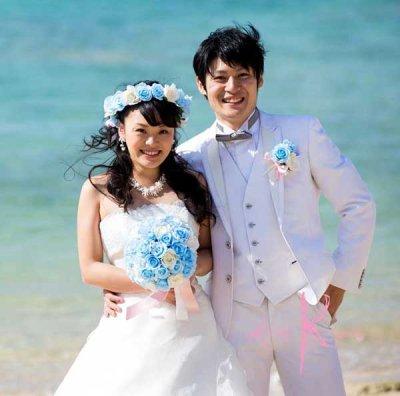 画像2: 造花オーダーメイドブーケ クラッチ・ブトニア・花冠(ライトブルー&ホワイトローズ)