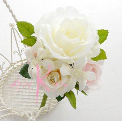 画像2: 造花ホワイトローズプラスベビーピンク♪ ラウンドブーケ・ブトニア・ヘッドパーツセット