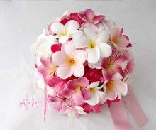 他の写真1: 造花オーダーメイドブーケ ラウンド24・ブトニア・花冠(ピンクプルメリア&ローズ)