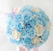 他の写真1: 造花オーダーメイドブーケ クラッチ・ブトニア・花冠(ライトブルー&ホワイトローズ)