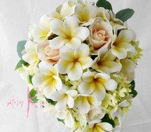 他の写真3: 造花オーダーメイドブーケ セミキャスケード・ブトニア・花冠(プルメリア&ローズ)