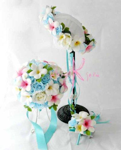 画像1: 造花オーダーメイドブーケ ラウンド20・ブトニア・花冠(アイスブルーローズ&プルメリア)