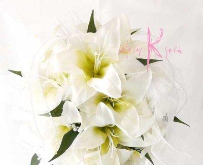 画像2: 造花オーダーメイドブーケ キャスケードブーケ(カサブランカ&パール)