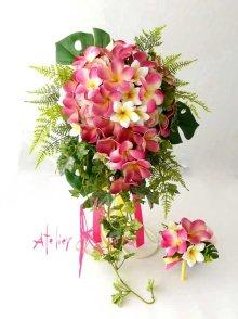 他の写真2: 造花オーダーメイドブーケ キャスケード・ブトニア(ピンクプルメリア&トロピカルリーフ)