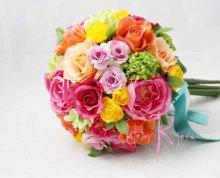 他の写真1: 造花オーダーメイド クラッチブーケ・ブトニア・カチューシャ (ミックスカラーローズ)