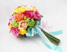 他の写真2: 造花オーダーメイド クラッチブーケ・ブトニア・カチューシャ (ミックスカラーローズ)