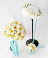 造花オーダーメイド ボリュームクラッチブーケ25・ブトニア・ハクレイ(花冠)(プルメリア&ローズ)