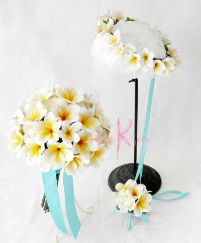 画像1: 造花オーダーメイド ボリュームクラッチブーケ25・ブトニア・ハクレイ(花冠)(プルメリア&ローズ)