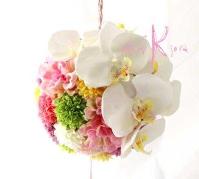 画像2: 造花オーダーメイド 和装用ボール(手まり)ブーケ(胡蝶蘭&マム・ダリア)